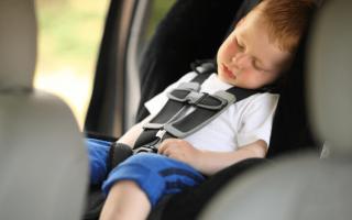 Где должен сидеть ребенок в машине